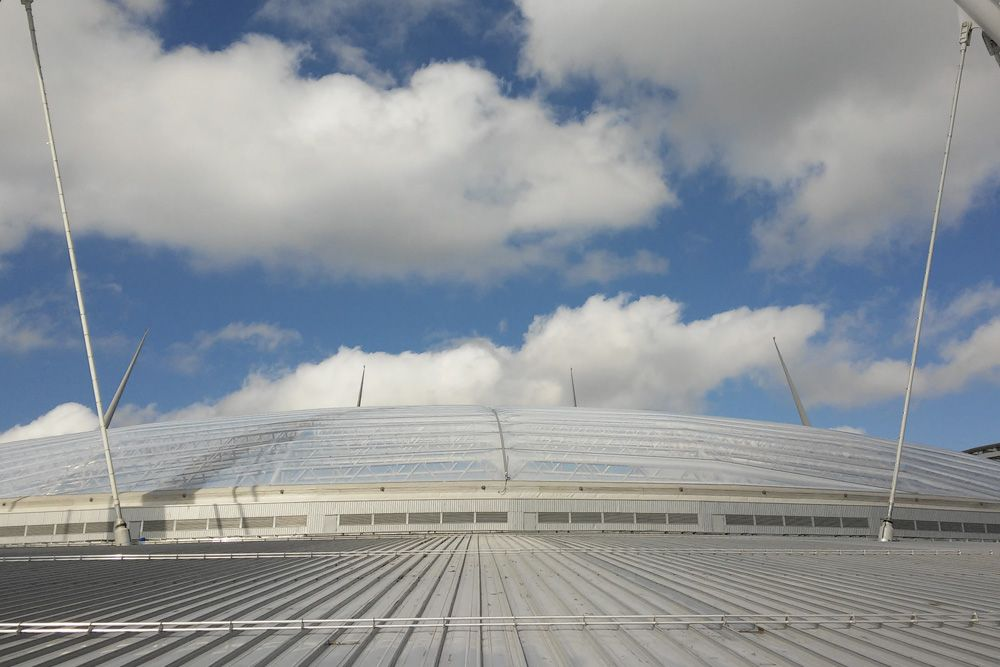 Combination of the mobile and fixed cover with ETFE cushions