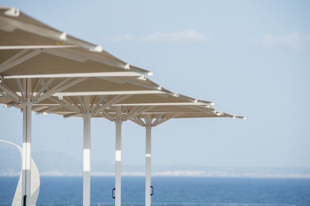 Indus parasol on a terrace overlooking the sea