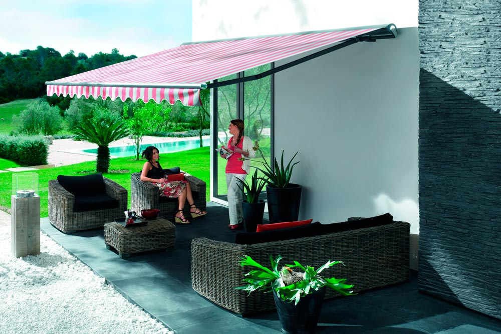 Awning ma1710 in private garden with garden