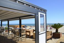 Novo pergola on the beach in black