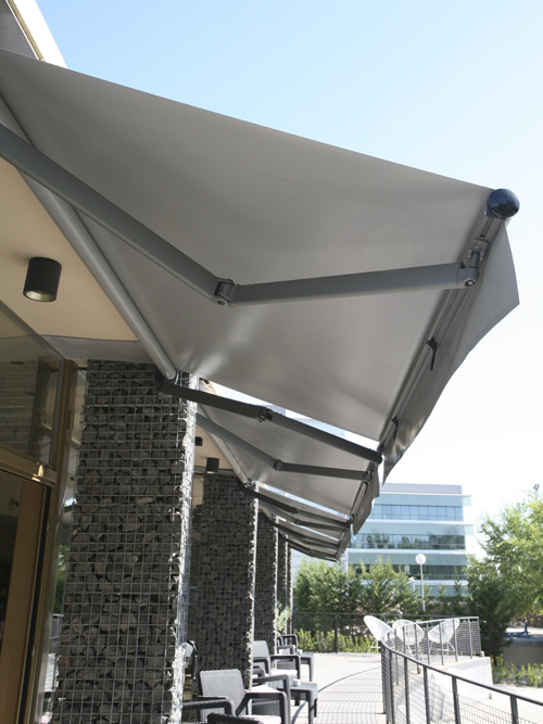 Awning eurosol 3000 in restaurant the Txoco restaurant in Madrid