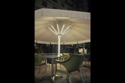 Umbrella azores plus with LED lighting in ribs and mast