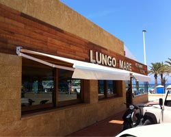Awning eurosol 3000 in restaurant in front of the sea