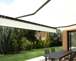 Awning ma6000 white in private home garden