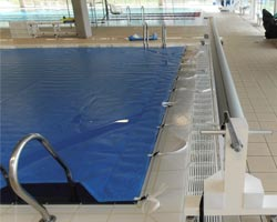 Normal thermal floating blanket 400 in indoor pool
