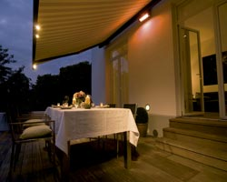 Awning ma6000 on terrace with table to eat