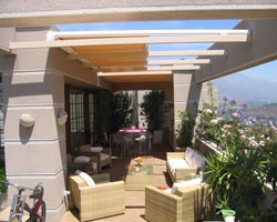 Horizontal awning sinsol  covering floor terrace