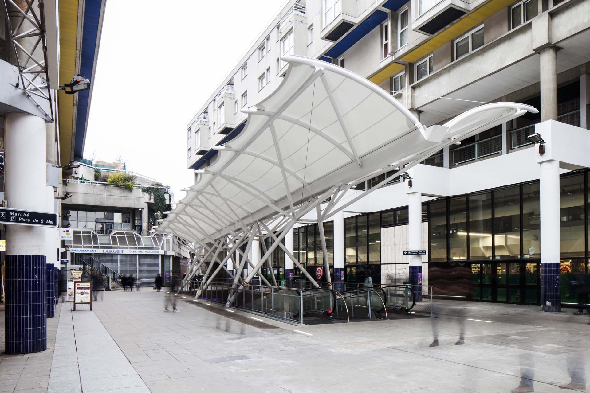 tensile structure Carrefour Saint Denis