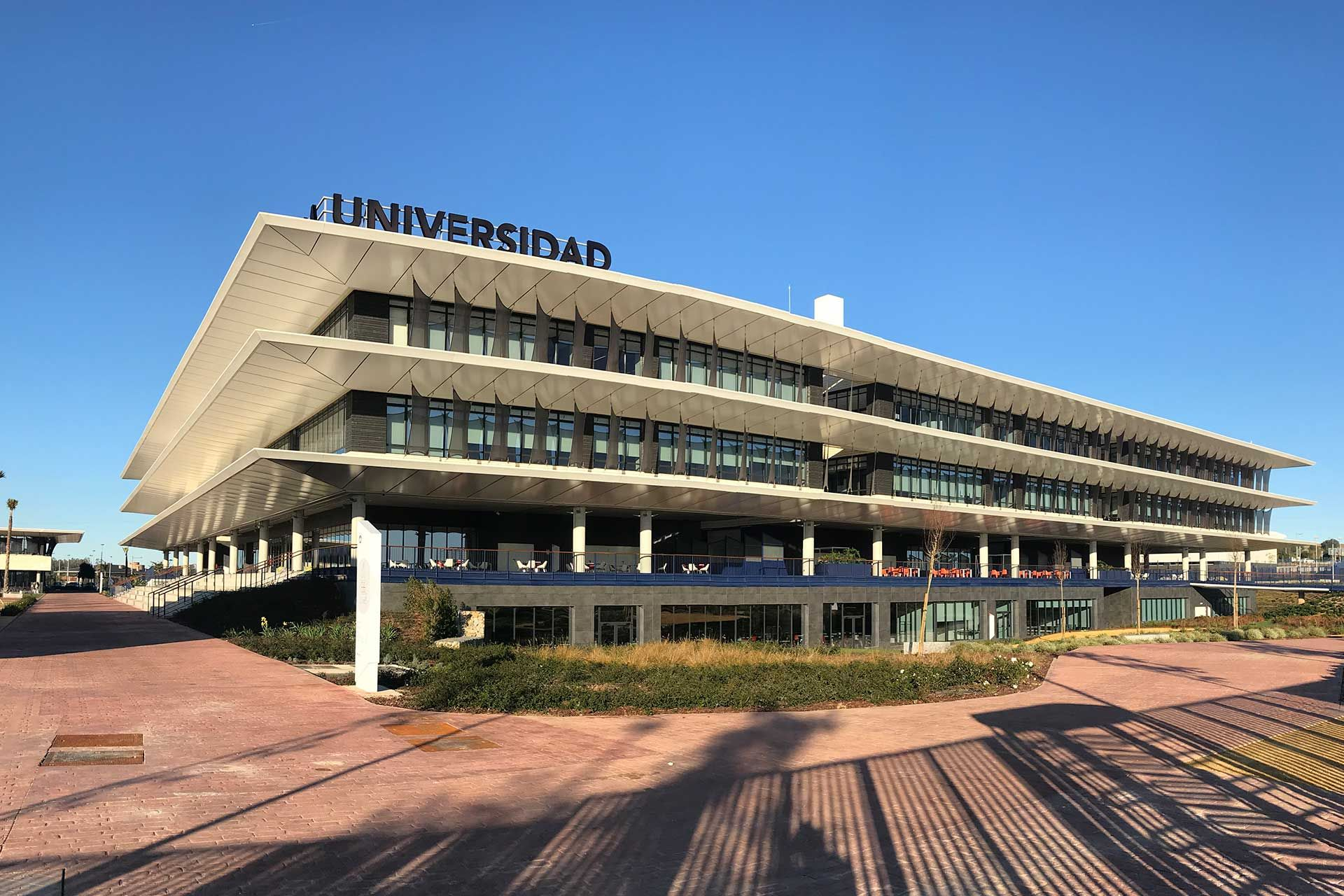 Main building of the new Loyola Campus.
