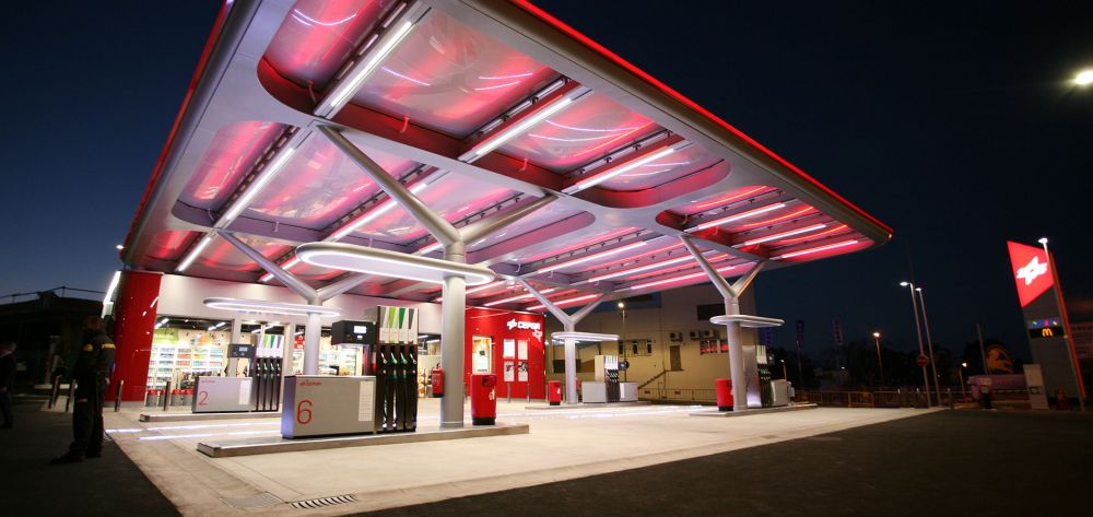 New canopy at the CEPSA service station in Tenerife