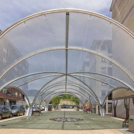 The membrane is made with a tensioned ETFE monolayer sheet system.