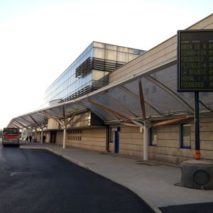 Coverage with ETFE of the marquee of the bus station