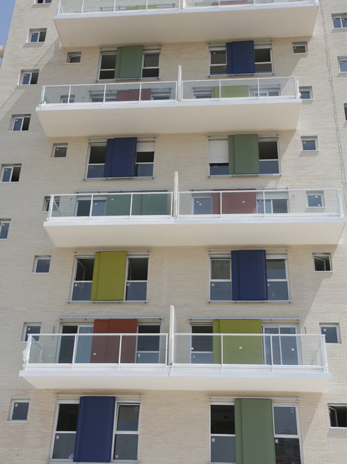 Windows with i-tensing panels