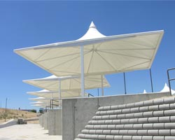 Parasol cuadrado blanco parking coches